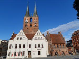 Rathaus und Marienkirche